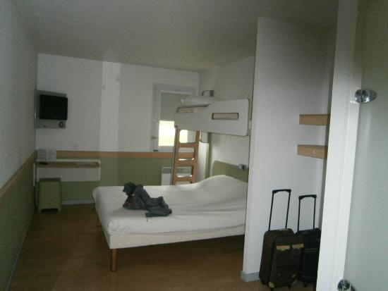 Chambre D Hotel Ibis Budget Lisieux Picture Of Ibis Budget