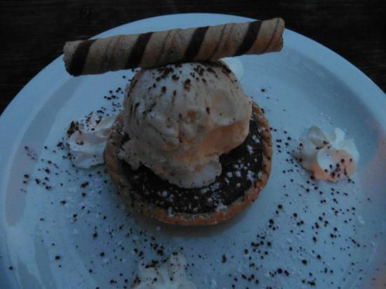 Millionaires tart & ice cream