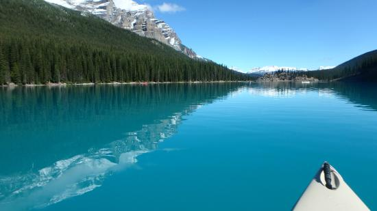 On The Lake Canoe Style Picture Of Moraine Lake Lodge