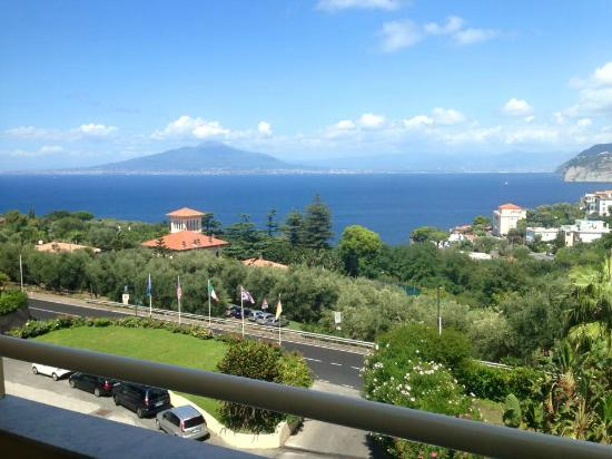 Grand Hotel Vesuvio: View from Sea View Balcony room