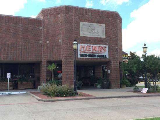 Mena's TexMex Grill: Exterior of restaurant