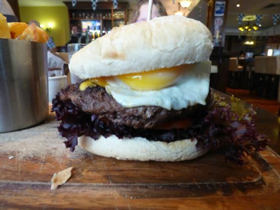 Kettles Country House Hotel: Incredible Burger
