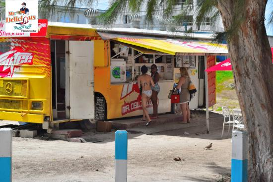 Mr. Delicious: Walk-thru and order on the Beach