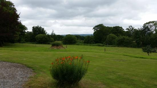 The front lawns of Bayly Farm House.
