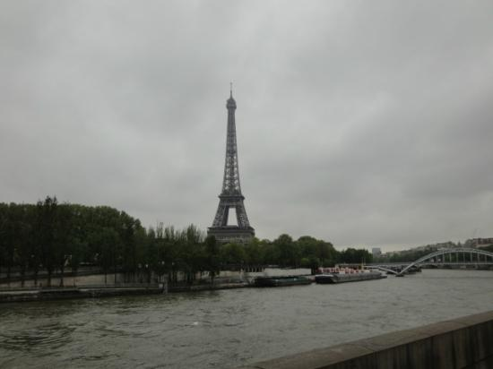 Paris, France: セーヌとエッフェル