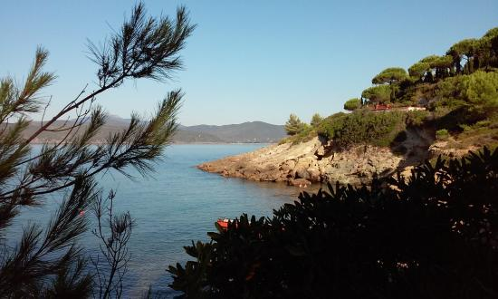 Residence Le Grazie Est: vista dalla spiaggia