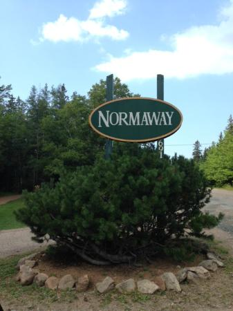 The Normaway Inn & Cabins : Sign to turnoff to Normaway Inn