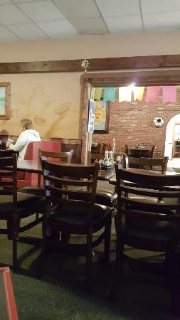 Aurora, IN: Great food and atmosphere.