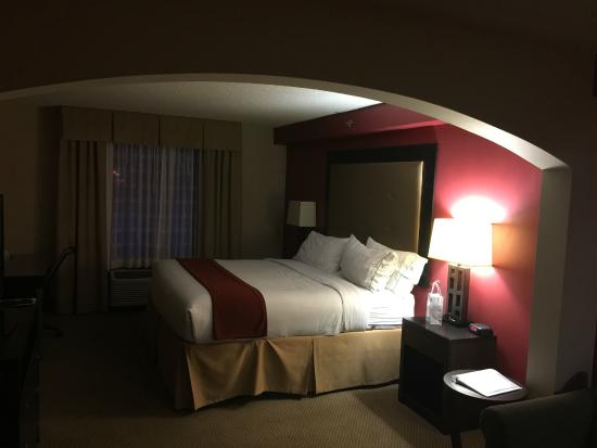 Holiday Inn Express & Suites Louisville East: King Suite with king size bed