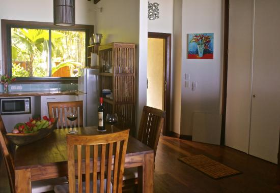 Heliconia Hideaway: The Room/Suite