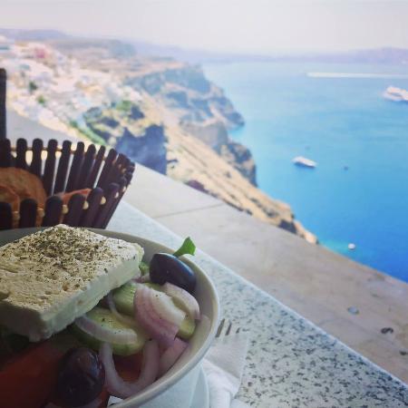 Kastro: ensalada griega  con vistas espectaculares