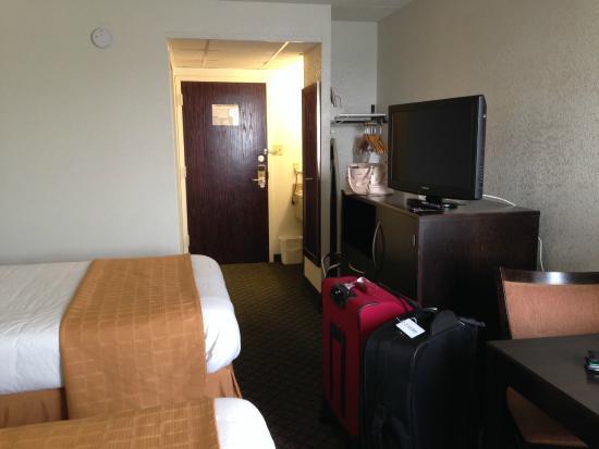 Quality Inn: Our room