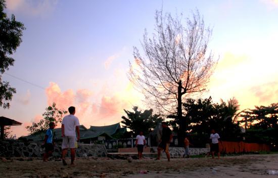 Pagatan Beach: Futsal