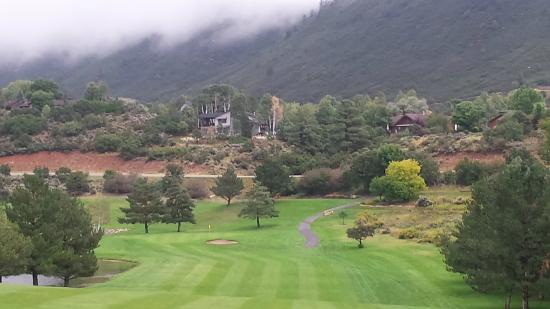 Hillcrest Golf Club: Looking down from tee box - so beautiful