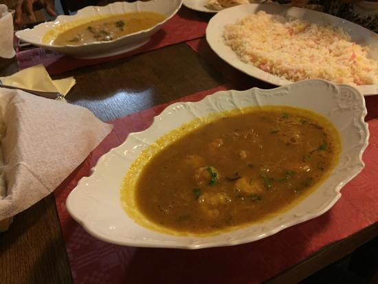 Tandoor Indicka : Kary shrimp and beef and bolo rice