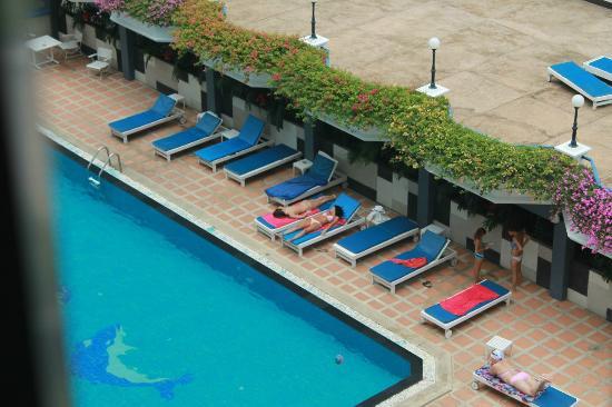 Caesar Palace Hotel: бассейн
