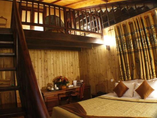 Alpine Hotel: attic room