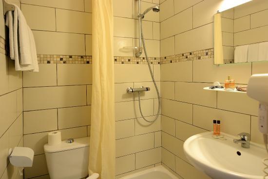 Hôtel Le Saint Jean : Salle de bain chambre vue maquis