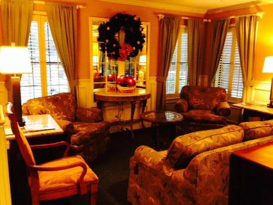 The Inn at Saratoga: ジ イン アット サラトガ