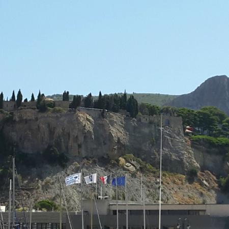 Chateau de Cassis: vue d ensemble
