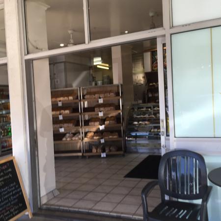 Peregian Beach Bakery : Bakery entrance