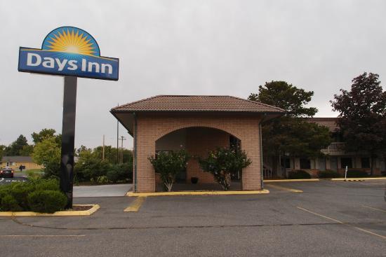 Days Inn Richland: На въезде к отелю
