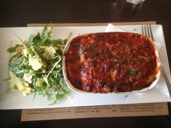 Sfuso: Spinach and feta cannelloni with a parmesan and hazelnut green salad