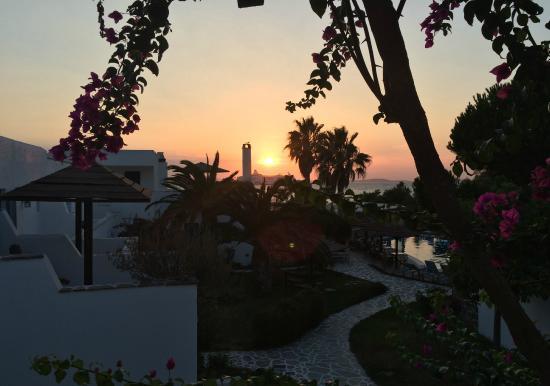 Alkyoni Beach Hotel: Soleil couchant