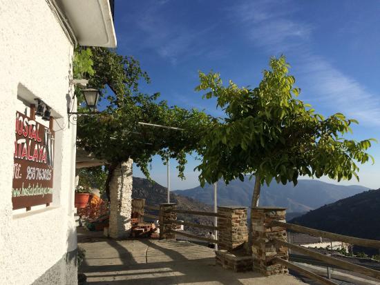 Hostal Rural Atalaya: Hostal außen