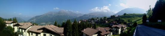 Zambla Alta, Italie: Menna e Pizzo Arera dal p.so Zambla