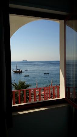 Hotel Albatros: Finestra fronte mare