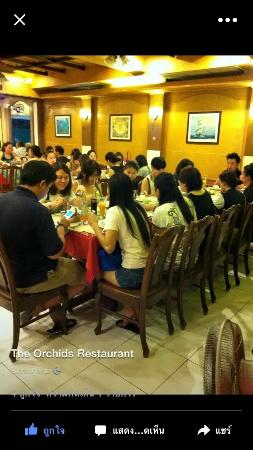 The Orchids Restaurant : 人多热闹