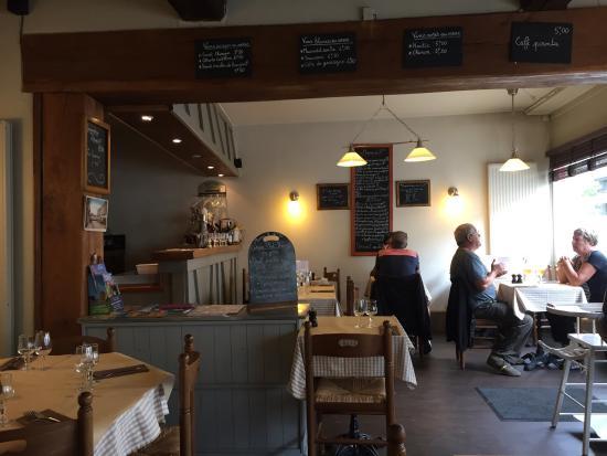 Le Bouchon Normand: Vue de la salle du restaurant  Typique de la région  Vue de la nouvelle carte