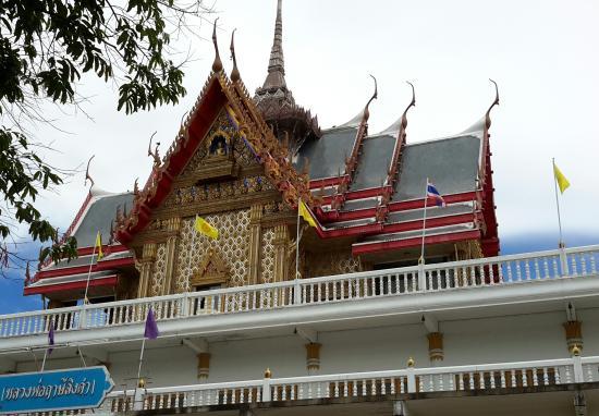 Wat Phuttha Chaiyo: Temple