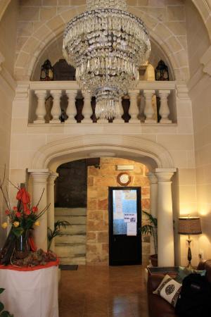 Asti Guest House: Sala de entrada