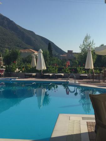 Apartments George: Pool area