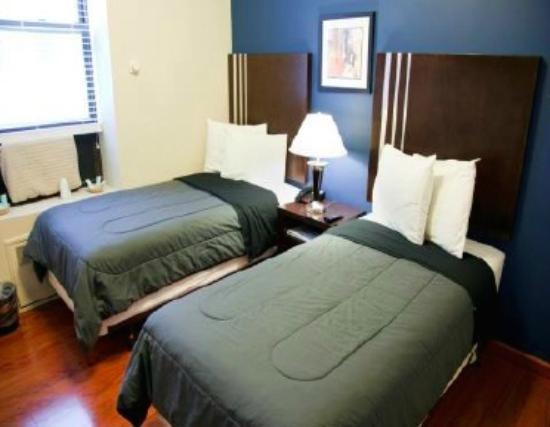 Hotel 99: Комната на двоих