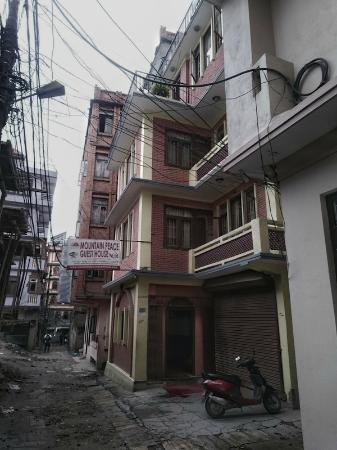 mountain peace guest house building picture of oyo 148 hotel green rh tripadvisor com
