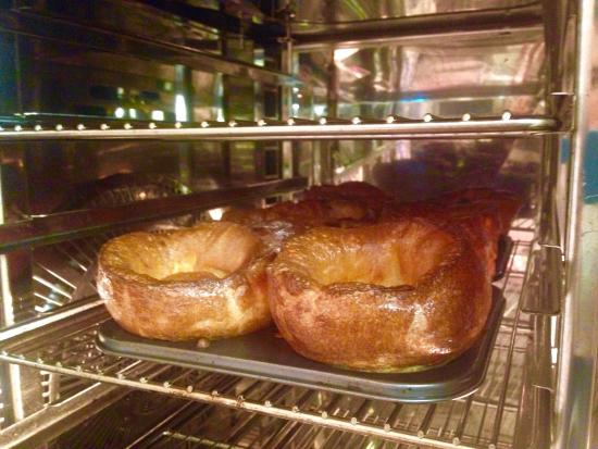 The White Horse: Fresh home made Yorkshire puddings !!!