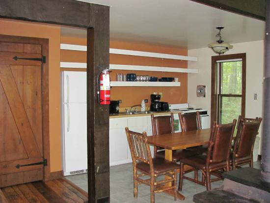 Abe Martin Lodge : Kitchen/Dining family cabins