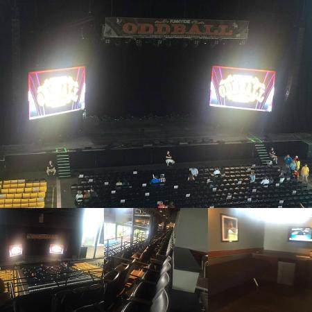 Hollywood Casino Amphitheater: vip suite