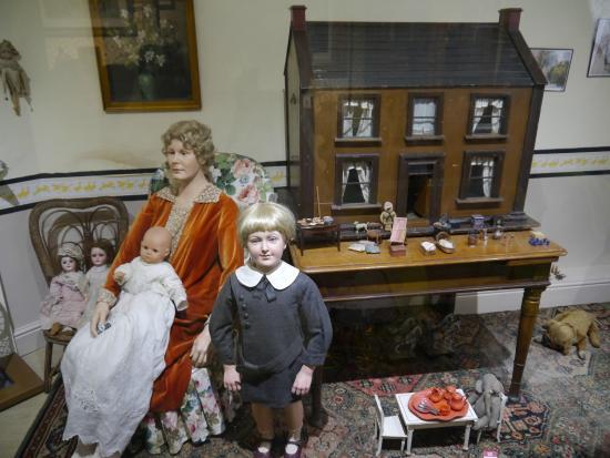 Grosvenor Museum: Period House - Nursery/schoolroom