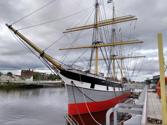 Tall Ship Ss Glenlee Moored At The Riverside Museum