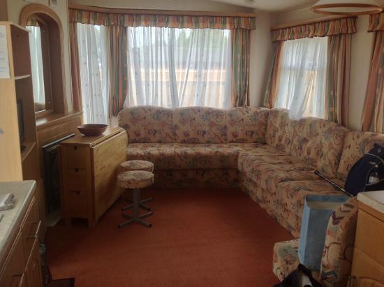 Petham, UK: Lounge of caravan