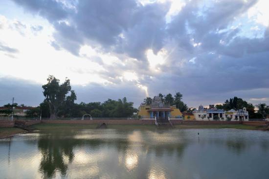 Chettinad: Temple Inside Kaanadukathan