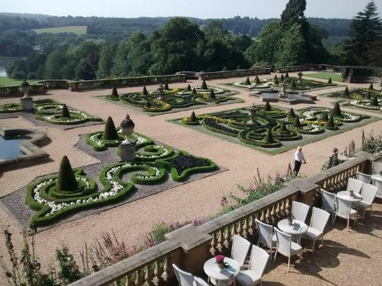 Amazing border picture of harewood house leeds for Harewood house garden design