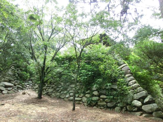 Kanbe Castle Ruin