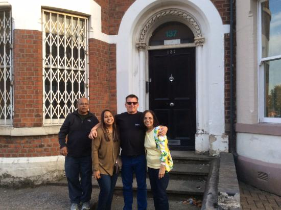 Pendragon Day Tours: Peter with us in Belfast