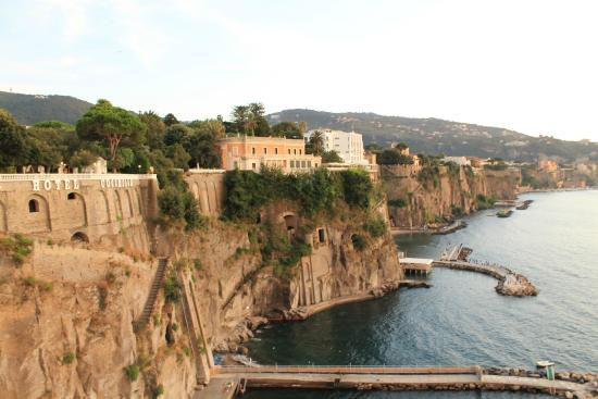 Sant'Agnello, Italia: Daytime from terrace