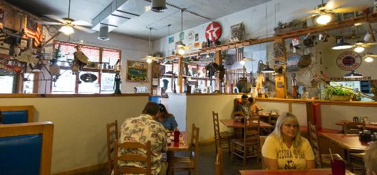 Humble City Cafe: eclectic decor